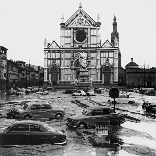 SantaCroce_alluvione1966-firenze