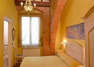 camera-gialla-bed-and-breakfast-centro-firenze