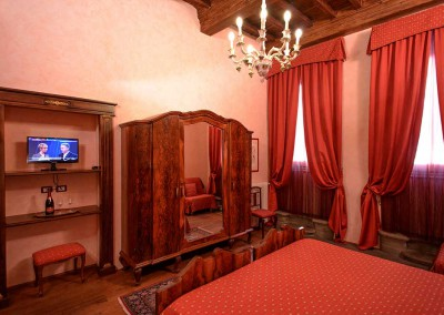 camera-rossa-bed-and-breakfast-centro-firenze