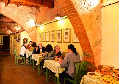 guests-at-breakfast-bb-florence